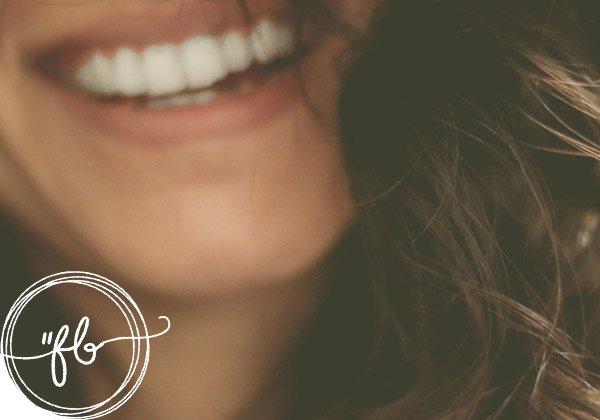 frasi belle per una foto con sorriso